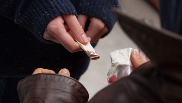 違法薬物の入手ルート